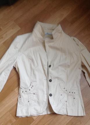 Пиджак бежевый, куртка
