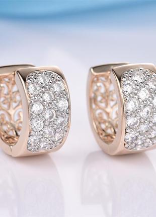 Модные серьги-кольца под платину