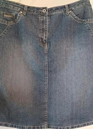 Качественная джинсовая юбка, размер 50-52.