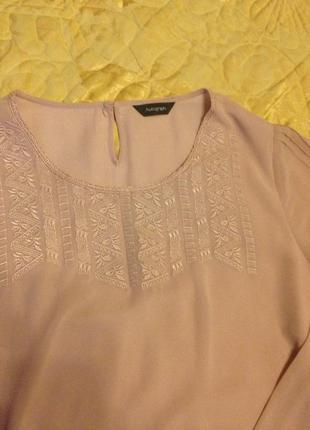 Классная блуза цвет пудра