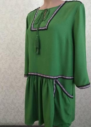 Платье-туника в этно стиле цвета молодой травы