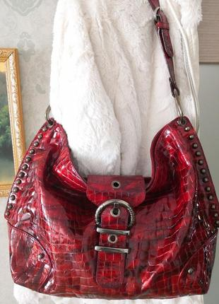 Роскошно-красивая лаковая сумка stuart weitzman