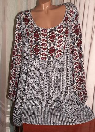 Шикаргная, фирменная блуза (4 хл замеры) с узором, 100% вискоза, отлично смотрится