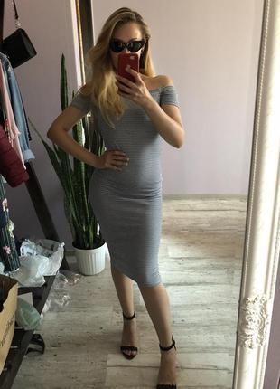 Платье по фигуре в полоску bershka