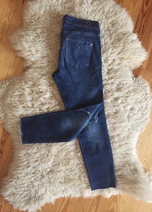 Укороченные джинсы с необработанным краем h&m