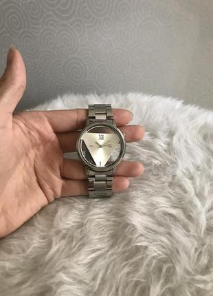 Продам стильные часы