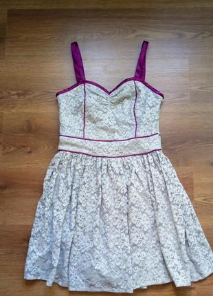 Красивое нарядное кружевное платье next runaway