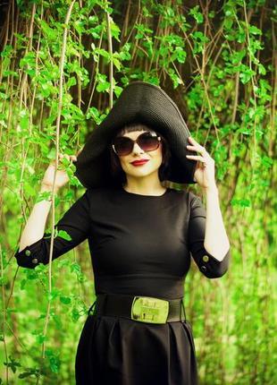 Платье черное с широким поясом