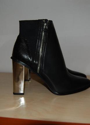 Ботинки из натуральной кожи, с металлическим каблуком 38,39,40р.
