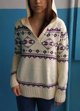Очень теплый зимний свитер с узорами