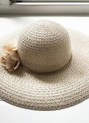 Очень красивая шляпа
