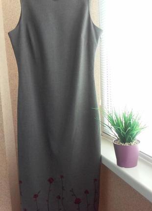 Элегантное платье миди с вышивкой классического кроя