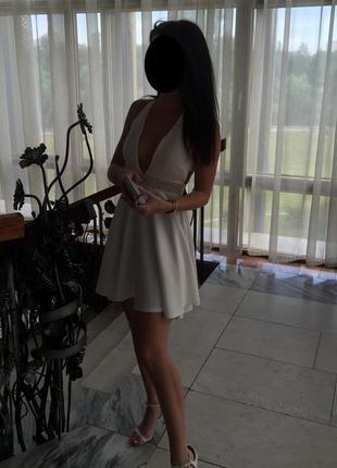 Платье club l с красивой спинкой