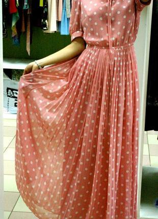 Легкое шифоновое светло-розовое макси платье в крупный горох 42-44 наш