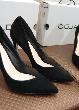 Класические туфли из  натуральной замши от aldo 38р.