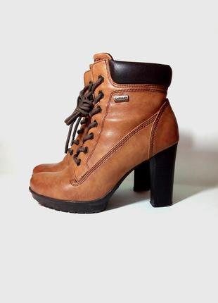 Кожанные ботинки  ботильоны демисезонные  carnaby