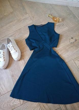 Платье boohoo с вырезали на талии