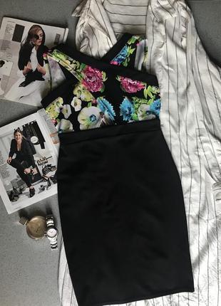 Літнє чорне плаття з квіточками з відкритою спиною