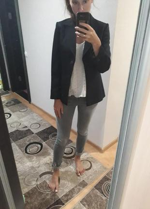 Черный шерстяной удлиненный пиджак жакет