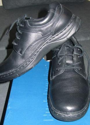 Новые школьные туфли hush puppies размер 34