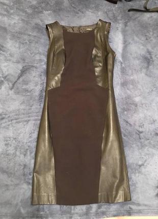 Черное платье со вставками с экокожи