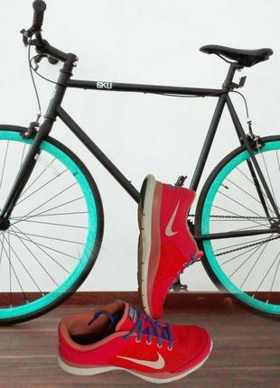 Nike кроссовки  легкие, дышащие, летние или в зал на фитнес очень удобные