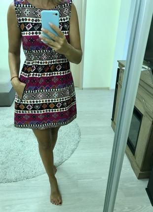 Платье очень красивое и стильное италия