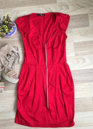 Красное плать