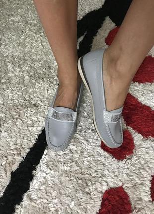 Кожаные мокасины туфли на низком каблуке 38 размер