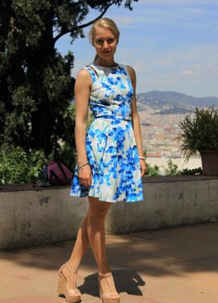 Очень красивое платье от karen millen