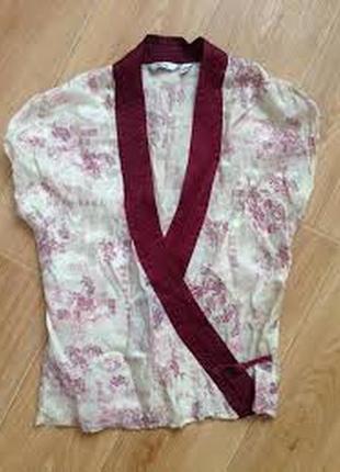 Запахивающаяся блузка в восточном стиле mango