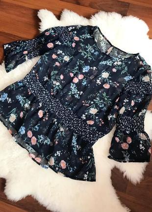Шикарная блуза с рукавами фонариками