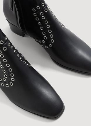 Стильные ботинки ботильоны на низком каблуке