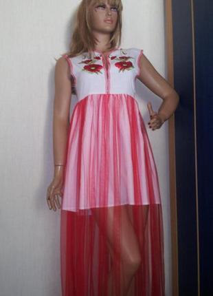 Платье с вышивкой и фатином