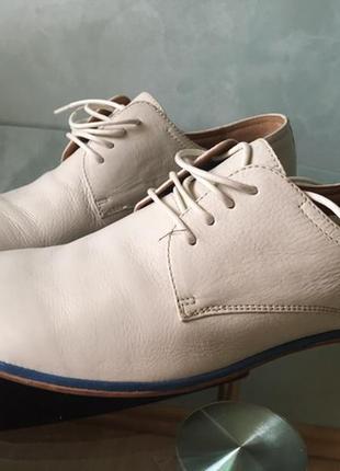 Туфлі шкірані нові