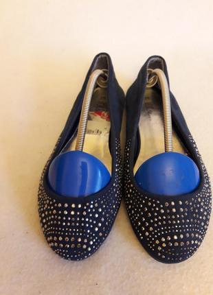 Оригинальные балетки с камушками фирмы vox shoes p. 38 стелька 24,5 см