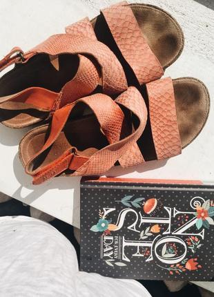 Clarks босоножки сандали натуральная кожа