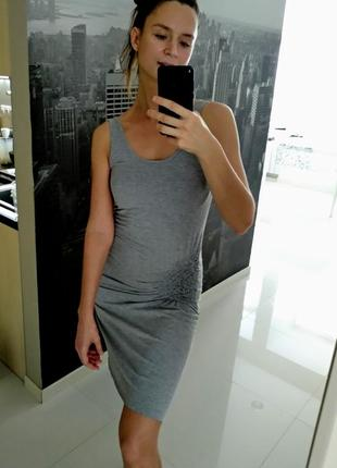 Стильное серое трикотажное платье-майка gina tricot однотонное размер xs