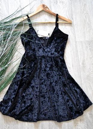 Бархотное мини платье от boohoo
