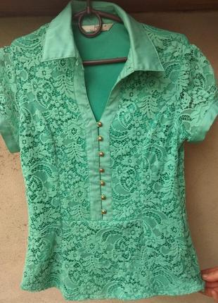 Красивая кружевная бирюзовая блузка