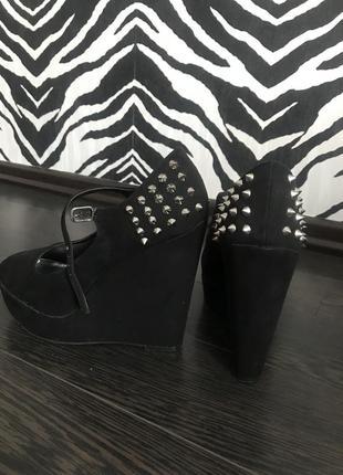 Туфли чёрные, замшевые на платформе
