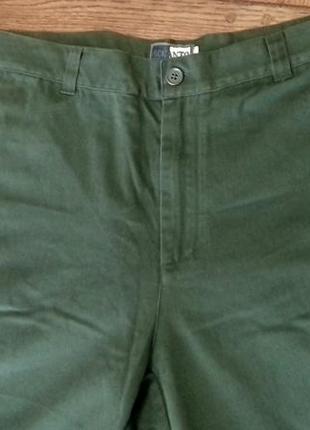 Мужские темно зеленые хлопковые брюки с германнии от  accanto. размер хл-ххл