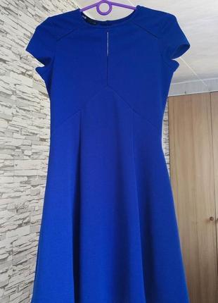 Синее платье в идеальном состоянии