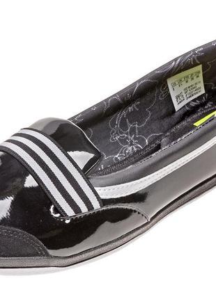 Лакові балетки adidas.оригінал