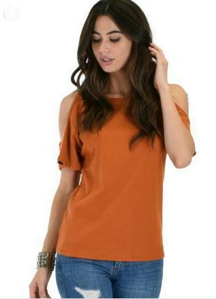Блуза с вырезами/открытыми плечами