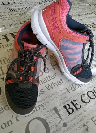 Стильные кроссовки 39 р-р