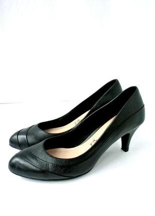 """Кожаные классические туфли-лодочки """"footglove"""" .размер uk5(38)."""
