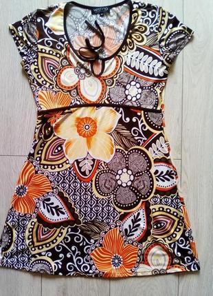 Очень красивое летнее мини платье vestino с цветочным принтом