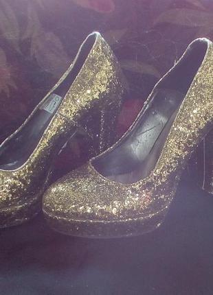Золотистые туфли, женские 2019 - купить недорого вещи в интернет ... 2bc30f4b1f5