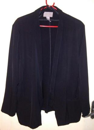 Шикарный,угольно-чёрный пиджак- жакет без пуговиц,,большого размера,h&m